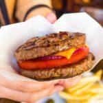 行列のハンバーガー屋「シェイクツリー」の商品開発と口コミ戦略