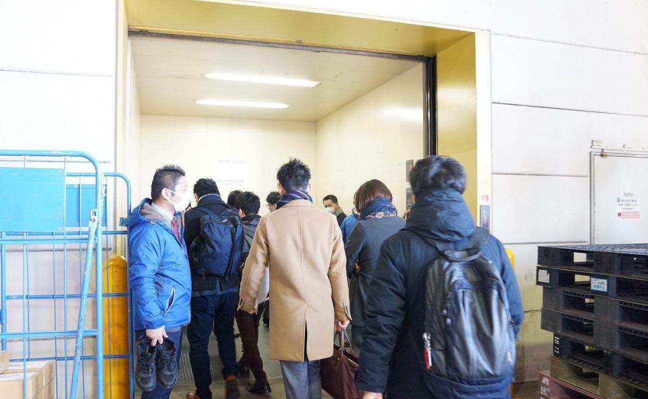 大きいエレベーター